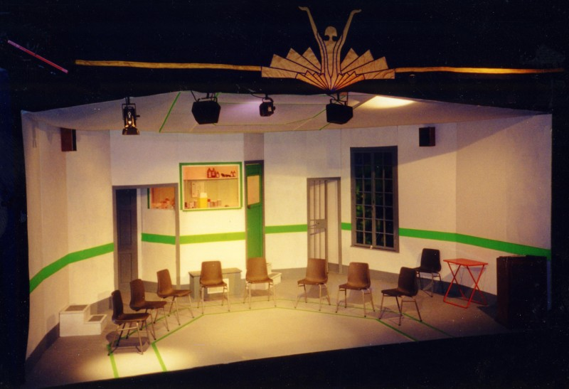 One Flew Over the Cuckoo's Nest, set