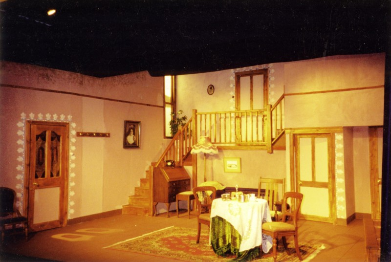 Arsenic and Old Lace, set