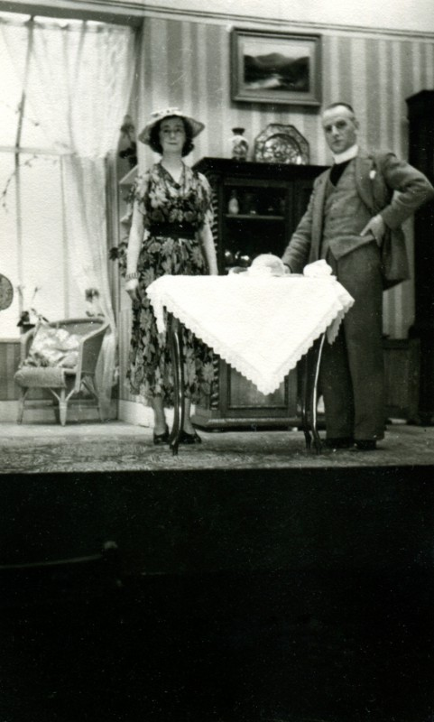 Yes and No, by Kenneth Horne, produced by Olive Woods, 24 January-2 February, 1952.