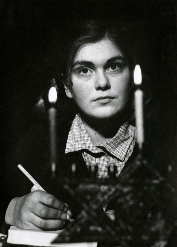 The Diary of Anne Frank, by Goodrich and Hackett, 11-16 March 1985 Loveday Smith as Anne