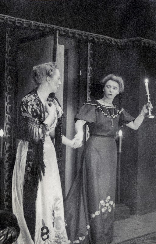 Double Door, by Elizabeth McFadden, produced by James Henderson, 24 March-2 April, 1949