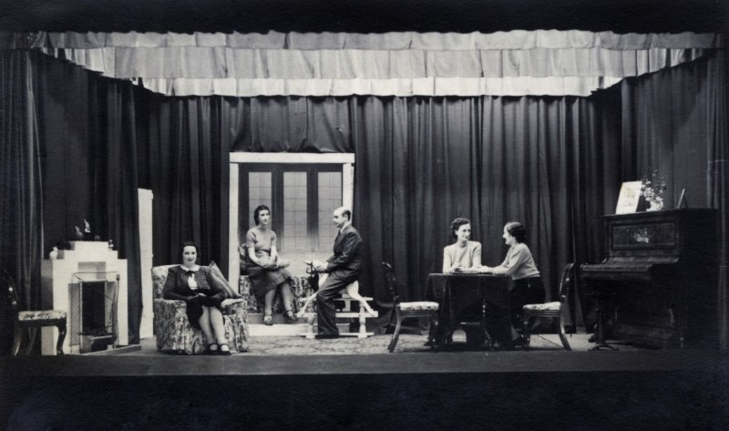 Dear Octopus, By Dodie Smith Directed by Frederick C. Chatburn, 20-27 September 1941